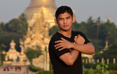 Aung La Nsang wins international fighter of the year at World MMA Awards